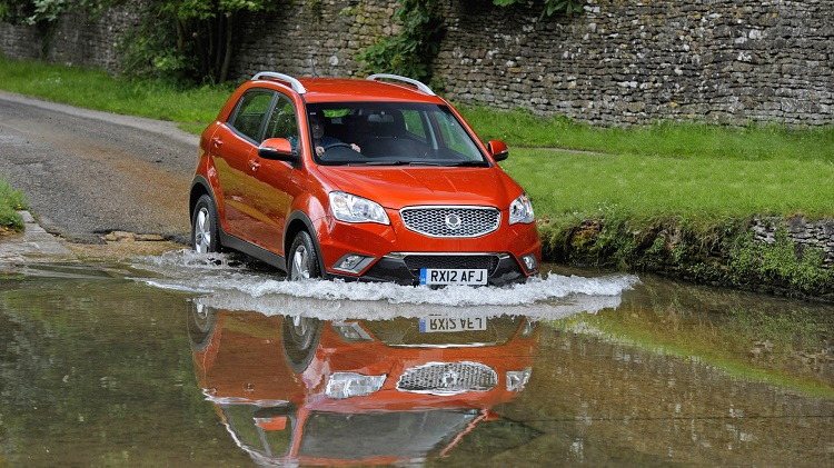 Top 5 Reasons to not to Drive your Car through Flood Water!